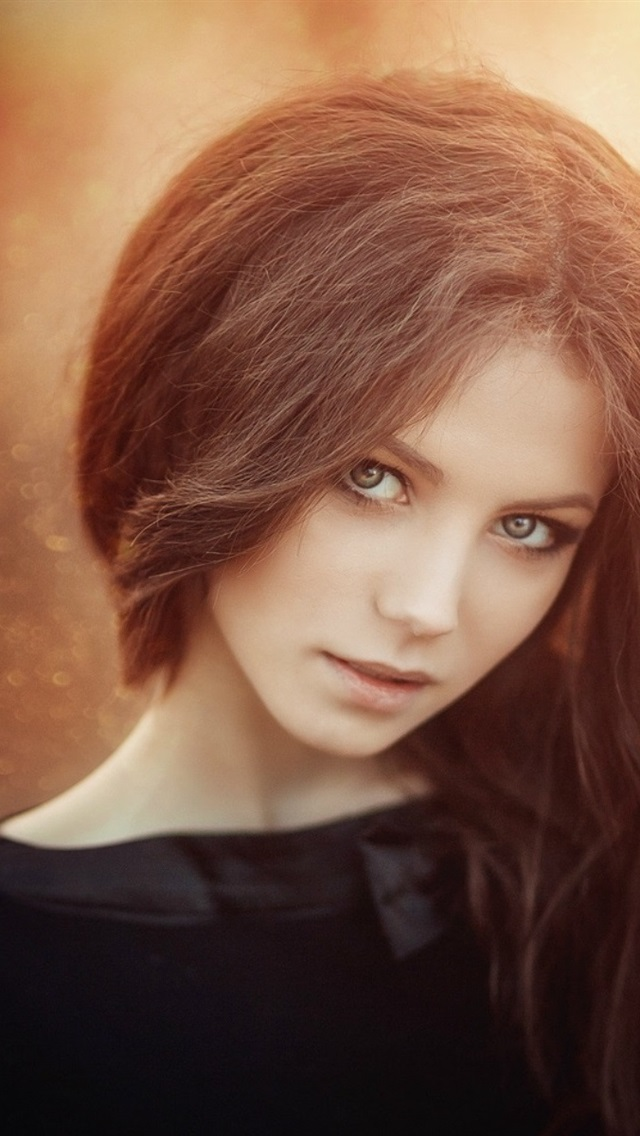 Brown Hair Girl Nice Bokeh 640x1136 Iphone 5 5s 5c Se Wallpaper Background Picture Image