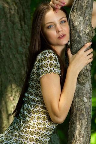 iPhone Wallpaper Long hair girl, trees