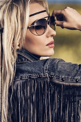 iPhone Wallpaper Fashion girl, hippie, posture, glasses