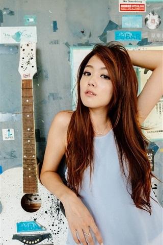 iPhone Wallpaper Hong Kong girl, guitar, music
