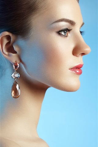 iPhone Wallpaper Fashion girl side view, earrings