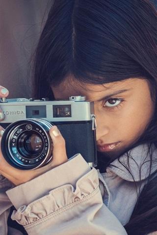 iPhone Wallpaper Girl use camera, Konica