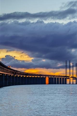 iPhone Wallpaper Sweden, Skane, Bunkeflostrand, Oresund Bridge, night, clouds