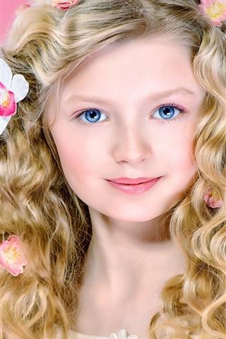 iPhone Papéis de Parede Menina loura bonito, cabelos encaracolados, olhos azuis, sorrir