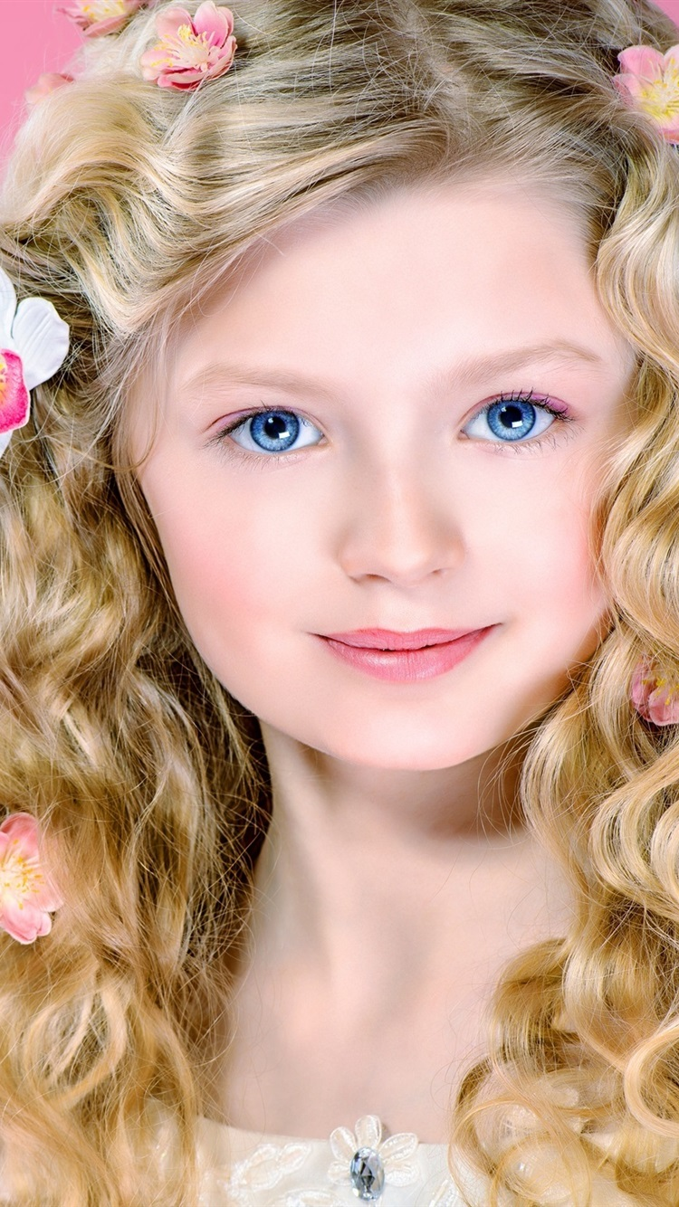Wallpaper Cute Blonde Girl Curly Hair Blue Eyes Smile 2560x1600 Hd Picture Image