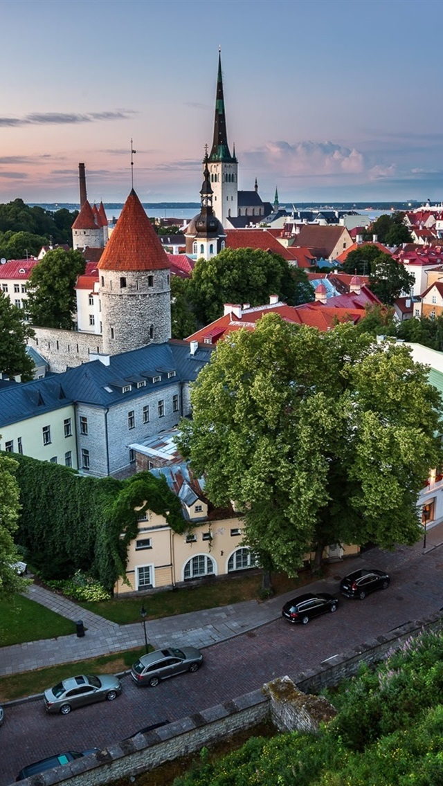 3bff874b1c6 Tallinn, Estonia, old town, road, houses 640x1136 iPhone 5/5S/5C/SE ...