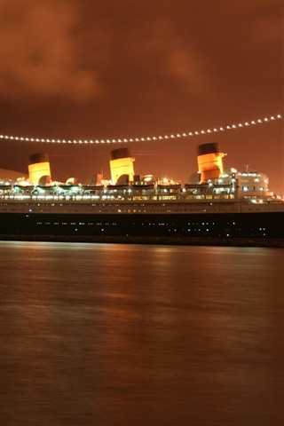 iPhone Wallpaper Queen Mary 2 cruise, evening