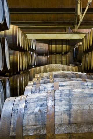 iPhone Wallpaper Winery, wood barrels