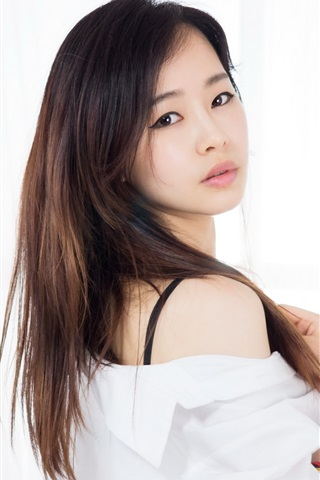 iPhone Wallpaper Asian girl, portrait, look back