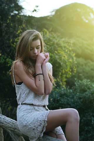 iPhone Wallpaper Beautiful blonde girl in dream, sitting at fence, morning