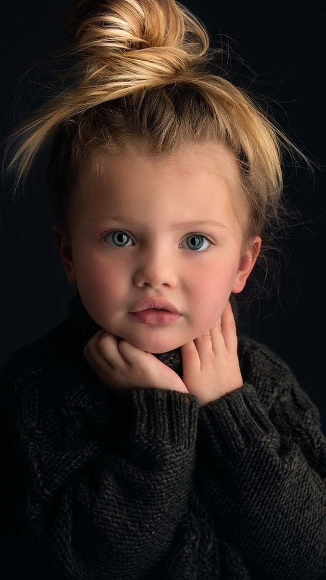 Wallpaper Cute Baby Girl Portrait Blonde Black Background