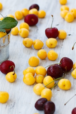 iPhone Wallpaper Yellow and red cherries, small buckets