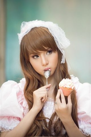 iPhone Wallpaper Beautiful Asian girl eating cake, lovely dress