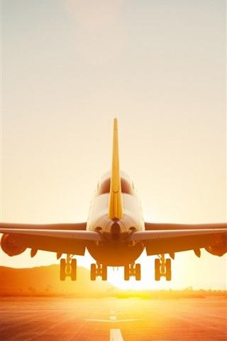 iPhone Wallpaper Boeing 747-8 aircraft takeoff, dawn, Lufthansa