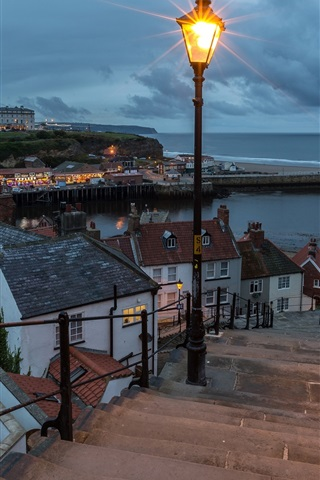 iPhone Wallpaper England, Whitby, coast, sea, lamp, stairs, houses, clouds, night