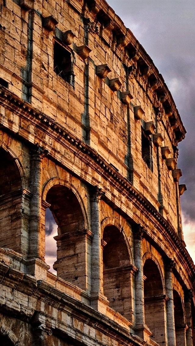 Coliseo Roma Italia Nubes Oscuridad 640x1136 Iphone 55s