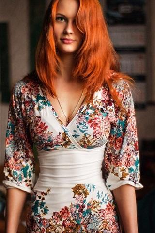 iPhone Wallpaper Redhead girl portrait, beautiful dress