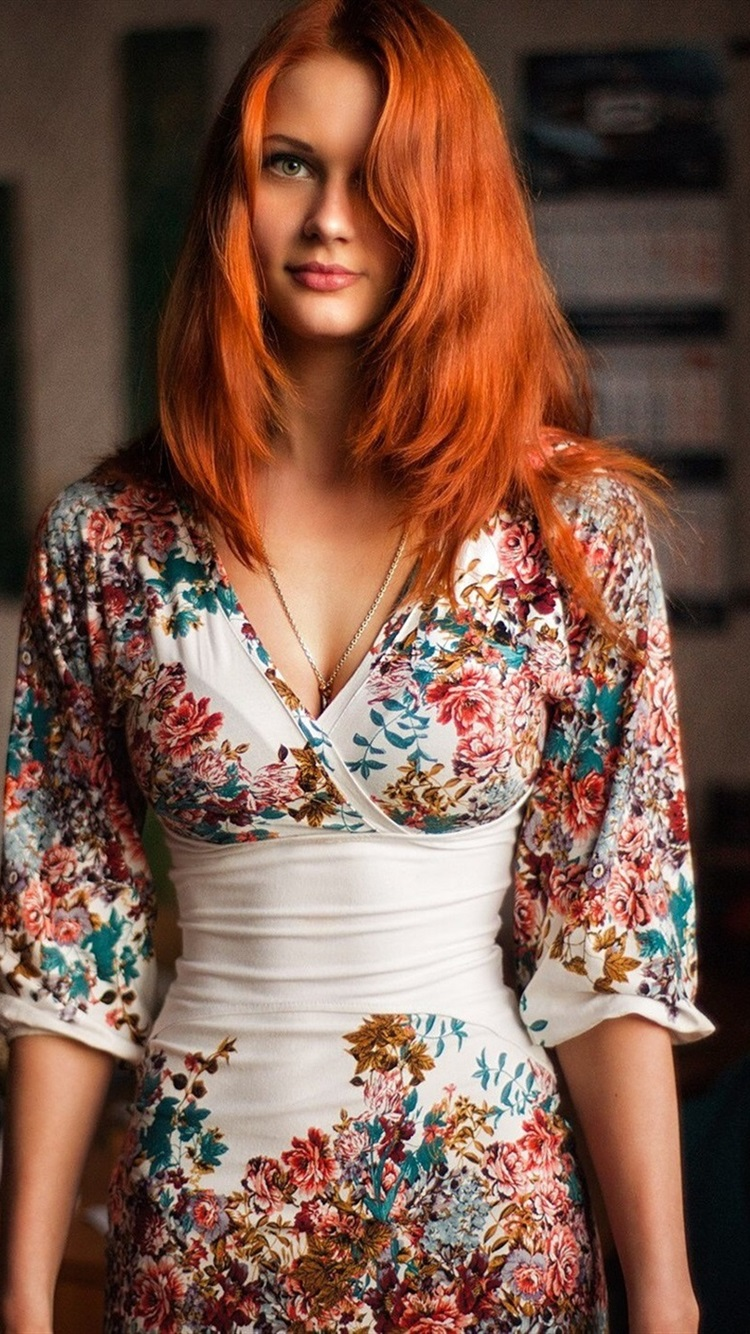 Redhead girl portrait, beautiful dress