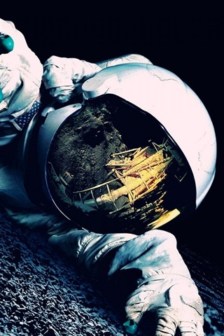 iPhone Wallpaper Astronaut in trouble