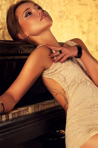 iPhone Wallpaper Beautiful brown hair girl, piano, light