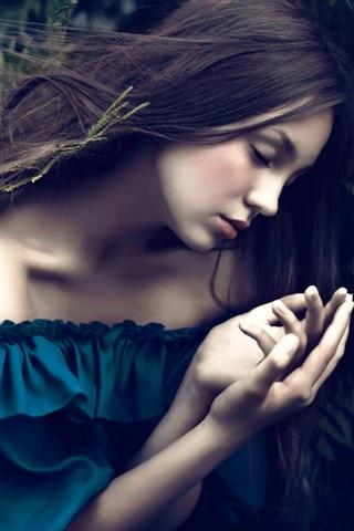 iPhone Wallpaper Blue dress girl sleep, ferns, bokeh