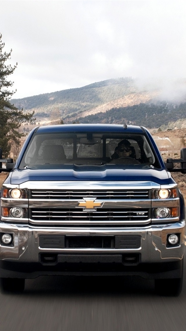 Chevrolet Silverado 2500hd Heavy Duty Work Trucks Front View 640x1136 Iphone 5 5s 5c Se Wallpaper Background Picture Image