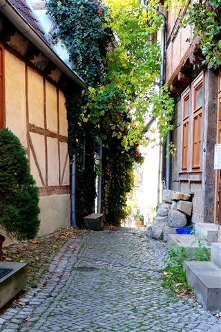 iPhone Wallpaper Germany, Quedlinburg, alley, home, house, travel place