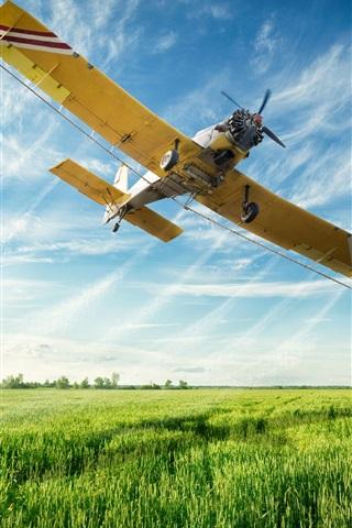 iPhone Wallpaper Multi purpose light aircraft flight in sky, fields