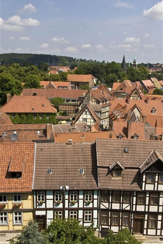 iPhone Wallpaper Welcome to Quedlinburg in Germany, houses, trees, clouds