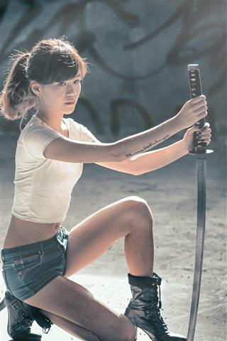 iPhone Wallpaper Asian girl, pose, samurai sword