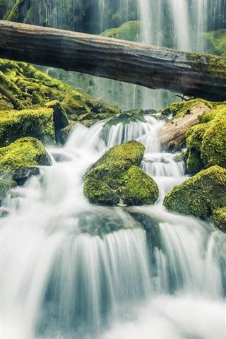 iPhone Hintergrundbilder Schöner Wasserfall im Wald, Steine, Moos