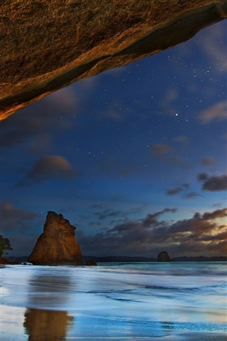 iPhone Wallpaper Cathedral Caves, New Zealand, sea, clouds, dusk