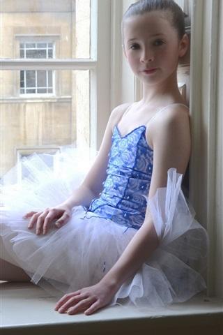iPhone Papéis de Parede bailarina bonito menina sentam-se ao lado da janela