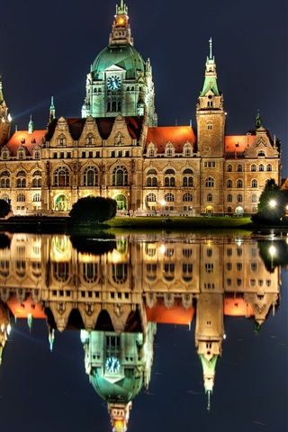 iPhone Wallpaper Hannover, Germany, night, house, lights, water reflection