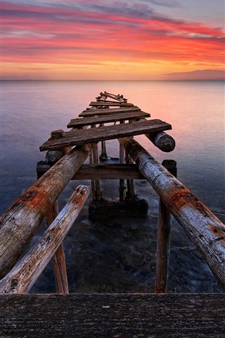 iPhone Wallpaper Italy, Tuscany, sea, old pier, sunset, red sky