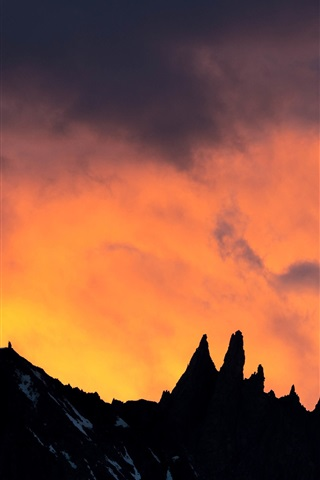 iPhone Wallpaper Mountain, sunset, clouds, silhouette