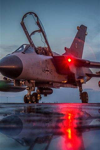 iPhone Wallpaper Tornado GR4 aircraft at night