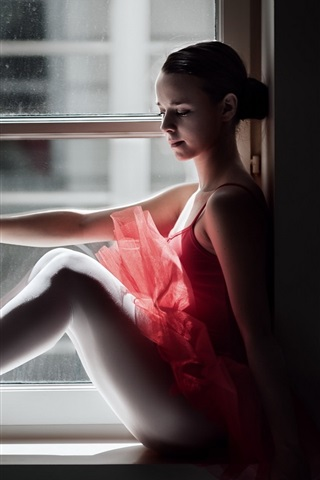 iPhone Wallpaper Ballerina sit at window side