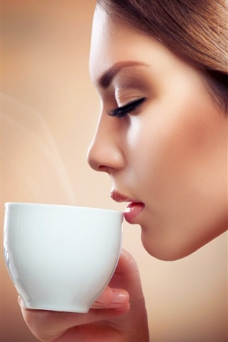iPhone Wallpaper Fashion girl drink coffee