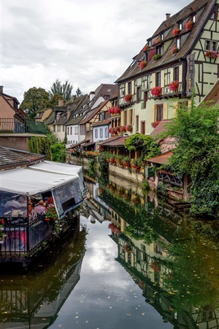 iPhone Wallpaper France, Colmar, town, cafe, river, houses