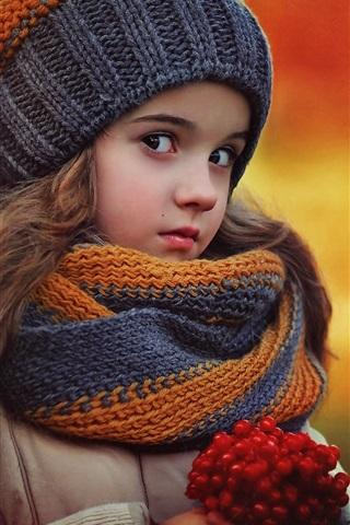iPhone Papéis de Parede Adorável menina no outono, lenço, chapéu