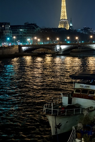 iPhone Wallpaper Paris night, France, Eiffel tower, river, boats, lights