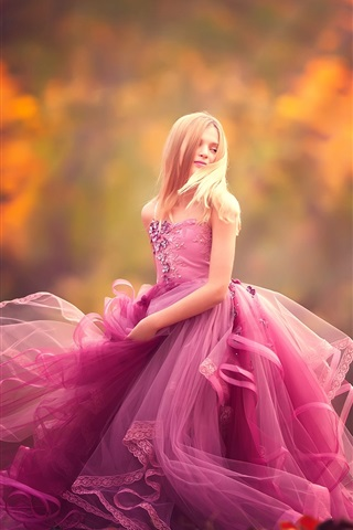 iPhone Wallpaper Purple dress little girl dance
