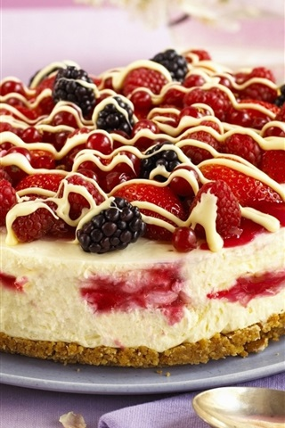 iPhone Wallpaper Strawberry, blackberries, fruit cake