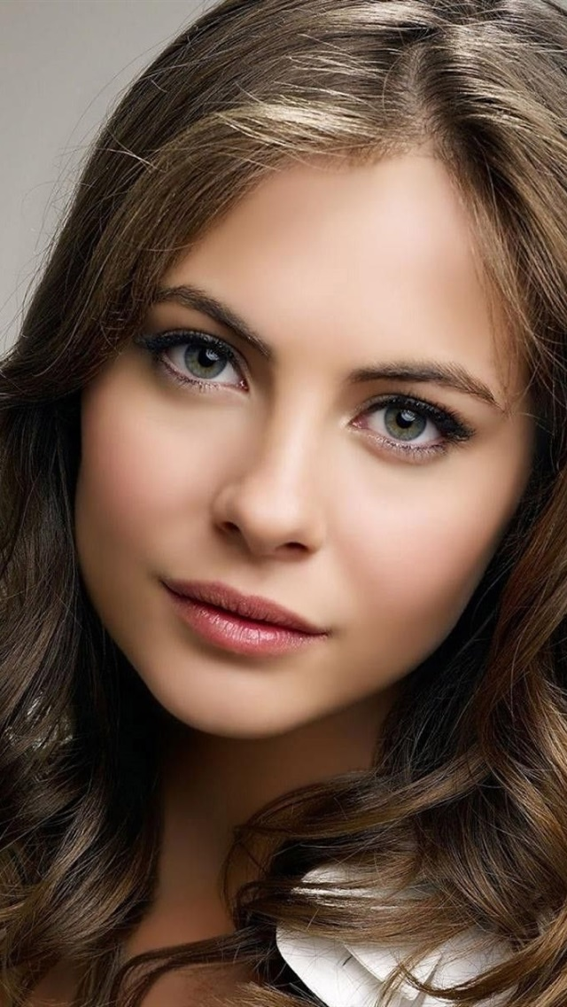 Willa holland cute