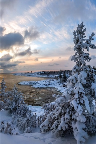 iPhone Wallpaper Winter, thick snow, trees, clouds, lake, dusk