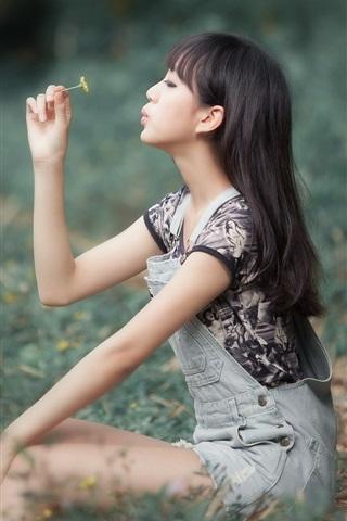 iPhone Wallpaper Asian girl play flower