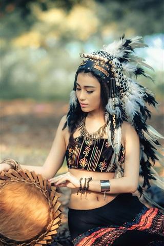 iPhone Wallpaper Beautiful indian girl, retro dress