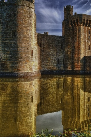 iPhone Wallpaper Bodiam Castle, East Sussex, England, medieval, lake