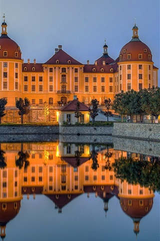 iPhone Wallpaper Castle, lake, water reflection, dusk, Moritzburg, Germany